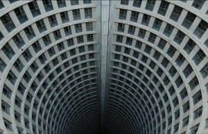 世界一危険な高級ビル!?「危険すぎる」ポンテタワーの真実