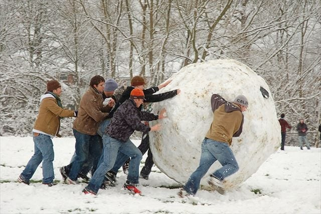 Giant_snowball_Oxford_R