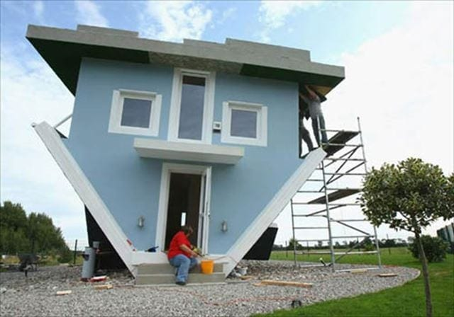 upside-down-house-01_R