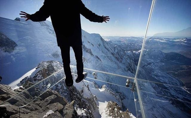 エギーユ・ドュ・ミディ(Aiguille du Midi);「世界一怖い山」