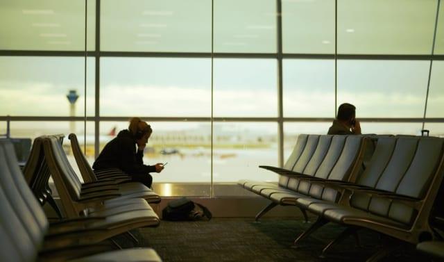飛行機のオーバーブッキングについて知るべき&やるべき事(待ち時間)