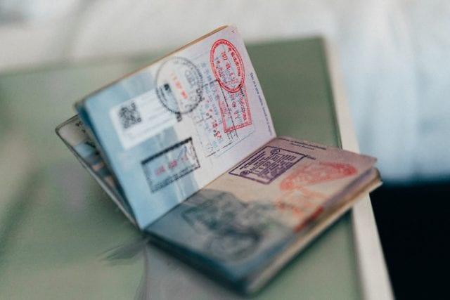 海外旅行に必須のスリ対策(リュック、ショルダーバッグなど)