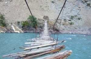 【超怖いけど…綺麗】世界の「絶景が楽しめる吊り橋」6選