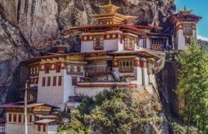 【心洗われる】世界の美しすぎる仏教寺院/僧院6選【絶景&聖地の豪華共演】
