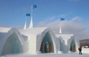 世界が憧れる「氷の結婚式チャペル」を持つ「オテル・ドゥ・グラース(アイスホテル)」