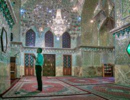 【キラキラ300%のド派手モスク】シャー・チェラーグ廟(Shah Cheragh)