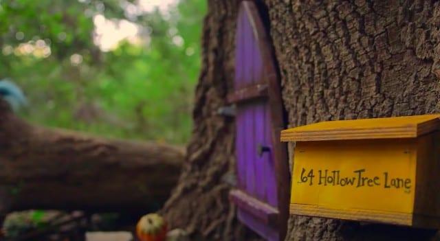 【理由に涙】カンザス州の森に突如現れた…謎の妖精の家「Firefly Forest」の正体とは?